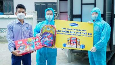 Quỹ sữa vươn cao Việt Nam đến với trẻ em Điện Biên giữa đại dịch