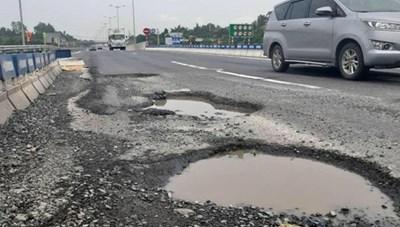 Đấu thầu cao tốc Bắc Nam: Bộ GTVT cần 'tỉnh táo'