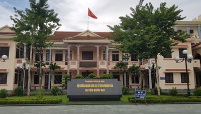 Huyện Quốc Oai: Chợ xây gần 9 tỷ đồng vẫn chưa 'chính danh'