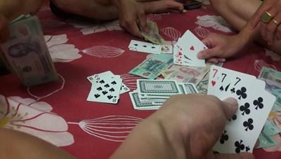 Phú Yên: 16 đối tượng tụ tập đánh bạc trong thời gian giãn cách