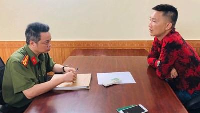 Xuất bản 'chui' sách dạy làm giàu, Huấn 'Hoa Hồng' bị phạt 17,5 triệu