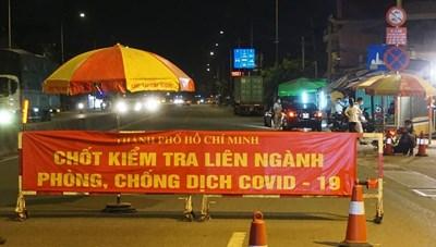 TP Hồ Chí Minh: Không kiểm tra đối với xe chở hàng hóa thiết yếu