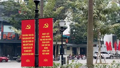 Hà Nội trang hoàng đường phố chào đón Đại hội Đảng XIII