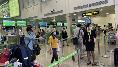 Thứ trưởng Đỗ Xuân Tuyên: 'Không phong tỏa sân bay Tân Sơn Nhất'