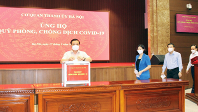 Thành ủy Hà Nội quyên góp ủng hộ Quỹ Phòng, chống dịch Covid-19