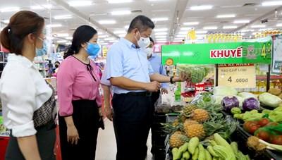 Phó Chủ tịch Hà Nội: Mong bà con chung sức chống dịch