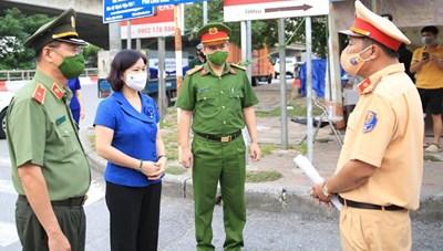 Phó Bí thư Thường trực Thành ủy Hà Nội kiểm tra đột xuất phòng, chống dịch Covid-19 tại huyện Thanh Trì