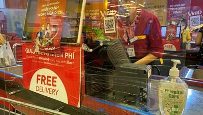 [ẢNH] Một số siêu thị Vinmart mở cửa trở lại, tăng cường biện pháp phòng dịch