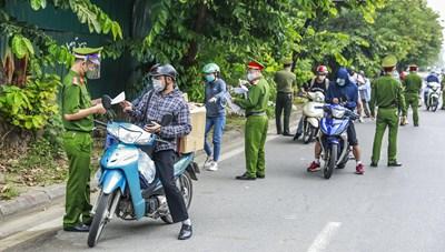 Hà Nội không kiểm soát giấy đi đường, bỏ phân vùng từ 6h ngày 21/9
