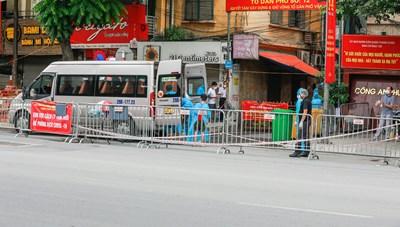 Hà Nội: Một người đàn ông ở Hà Đông sốt, đau mỏi, xét nghiệm dương tính SARS-CoV-2