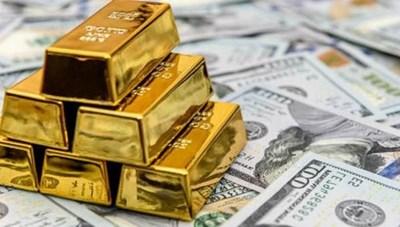 Ảnh hưởng đà tăng đồng USD và thị trường chứng khoán, giá vàng tiếp tục rơi tự do