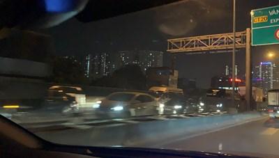 [VIDEO] Đường vành đai 3 ùn tắc kéo dài trong ngày cuối năm