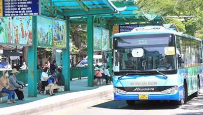 Hà Nội khôi phục vận tải hành khách công cộng