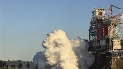 NASA thử nghiệm động cơ tên lửa đưa người lên Mặt Trăng
