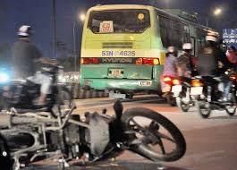 2 vụ tai nạn giao thông, 1 người chết, 4 bị thương