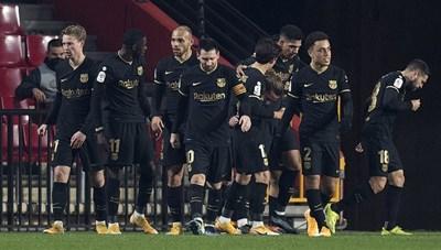 Messi, Griezmann thăng hoa, Barca ngược dòng không tưởng ở Cúp Nhà vua Tây Ban Nha