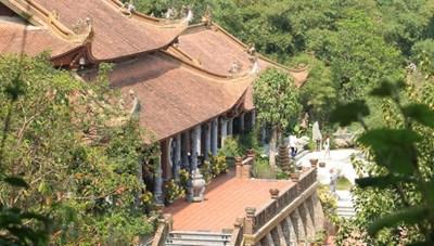 Lạc bước chốn bồng lai tiên cảnh trong ngôi chùa nghìn năm tuổi ở Hà Nam