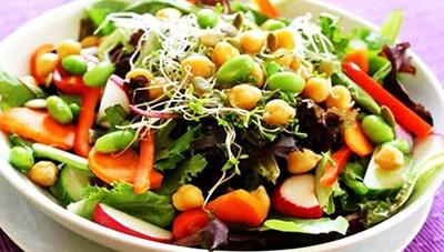 '100 món ăn từ rau và hoa Đà Lạt'