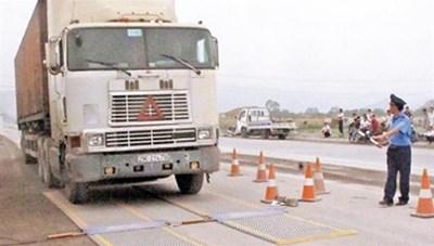 Kiến nghị tiếp tục thí điểm kiểm soát xe quá tải