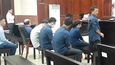 Tạm hoãn xét xử vụ tham ô tài sản tại Agribank chi nhánh Bến Thành
