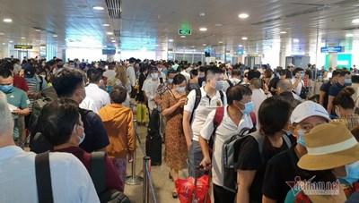 Giải toả ùn tắc sân bay Tân Sơn Nhất