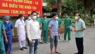Bắc Giang: Gần 3 nghìn bệnh nhân nhiễm Covid-19 khỏi bệnh được ra viện