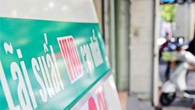 Nhiều ngân hàng vượt rào tín dụng