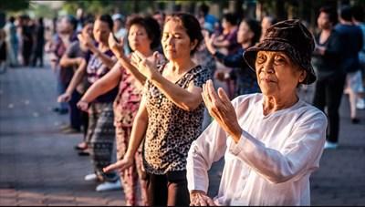 Chăm sóc sức khoẻ người cao tuổi cho phù hợp