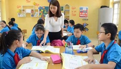 Cải thiện lương giáo viên