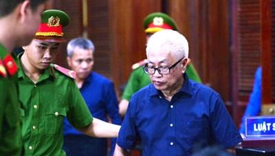 Nguyên Tổng Giám đốc DongABank bị đề nghị án chung thân