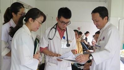 Khích lệ đóng góp của thầy thuốc trẻ Việt Nam