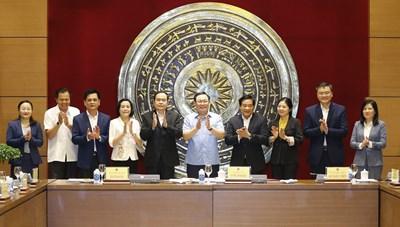 Chủ tịch Quốc hội Vương Đình Huệ làm việc với Hội đồng Dân tộc
