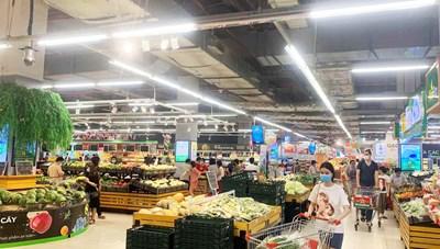 Lượng hàng hóa tại các siêu thị ở Hà Nội luôn dồi dào