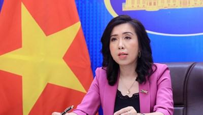 Phản đối Trung Quốc đưa máy bay đến Trường Sa