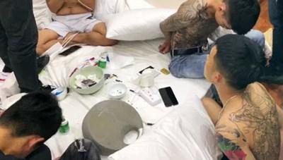 Công an tỉnh Lâm Đồng tạm giữ 14 đối tượng đang phê ma túy đá