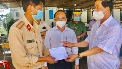 Bí thư Tỉnh ủy Lâm Đồng kiểm tra công tác phòng chống dịch tại huyện  Di Linh