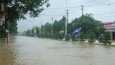 Mưa lớn làm cho nhiều nơi ở Khánh Hòa bị ngập