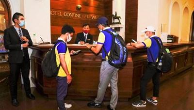 Nhiều khách sạn ở TP HCM hỗ trợ 100% chi phí ăn, ở cho y bác sĩ tuyến đầu