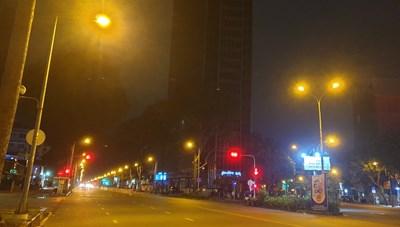Người dân cần làm gì khi lãnh đạo TP HCM yêu cầu 'không ra đường sau 18h'?