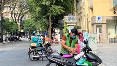 TP Hồ Chí Minh giảm số lượng shipper giao hàng từ tối 26/7