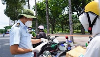 TP Hồ Chí Minh nghiên cứu áp dụng 'thẻ xanh vaccine' để mở cửa kinh tế - xã hội