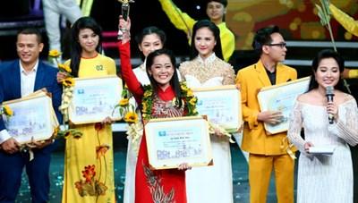MC Kim Liên lọt vào Chung kết Én Vàng HTV 2021