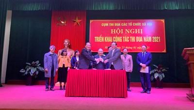 Cụm thi đua các tổ chức xã hội ký kết giao ước thi đua năm 2021.
