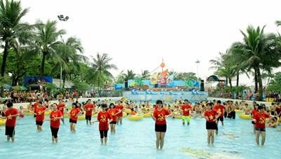 Ngày hội mở cửa Công viên nước Hồ Tây