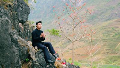 Ca sĩ Vũ Thắng Lợi hát về mối tình đẹp Khâu Vai