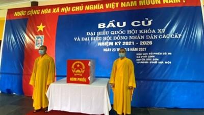 Tăng Ni sinh Học viện Phật giáo Việt Nam tham gia bầu cử