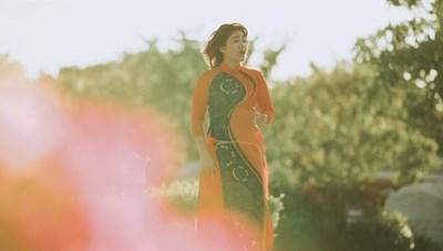 Tái hiện hình ảnh mẹ Thứ trong MV 'Màu hoa đỏ'