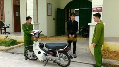 Bị trộm xe máy do quên rút chìa khóa