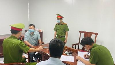 2 chuyên gia Trung Quốc đánh hàng lậu từ 'nhà' vào Việt Nam
