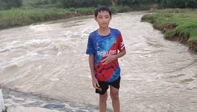 Học sinh lớp 7 lao mình xuống sông cứu bé gái 8 tuổi
